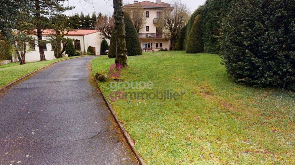 Achat maison 4chambres 240m² - Saint-Pal-de-Mons