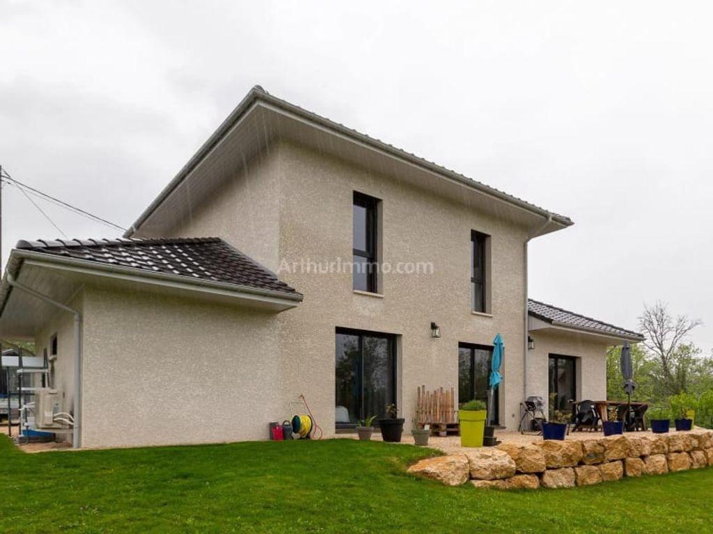 Achat maison 4chambres 118m² - Champagne-en-Valromey