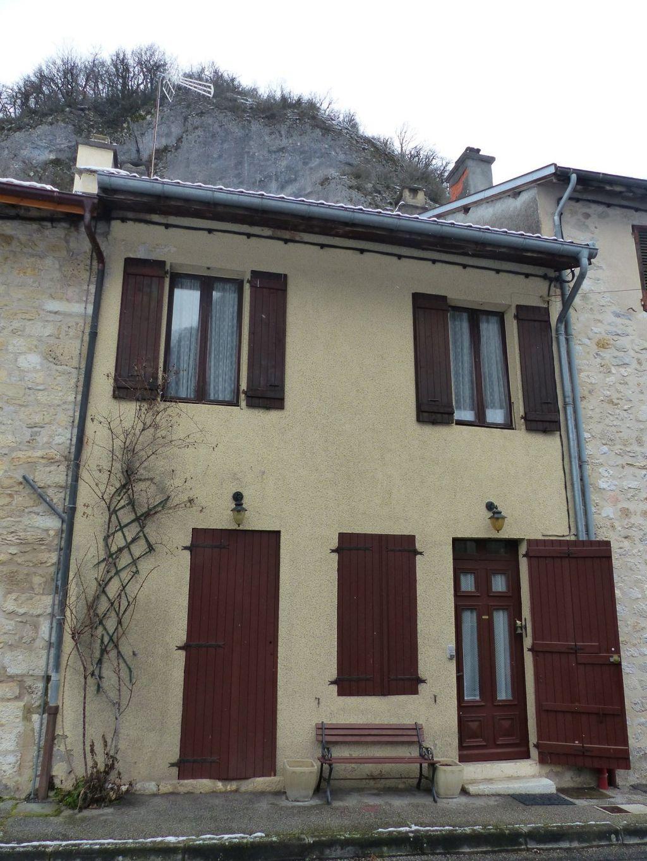 Achat maison 3chambres 148m² - Rossillon