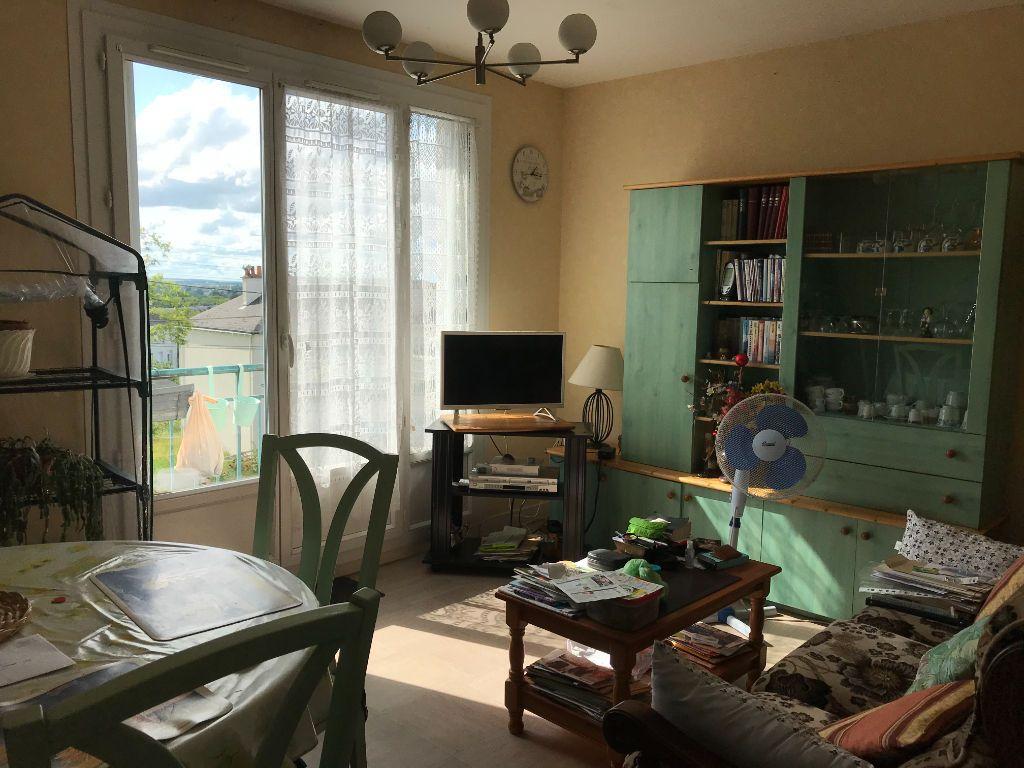 Achat appartement 4pièces 70m² - Descartes
