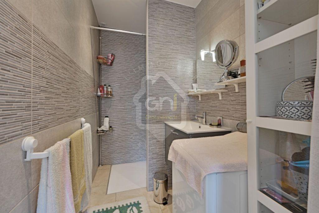 Achat maison 8 chambre(s) - Nîmes
