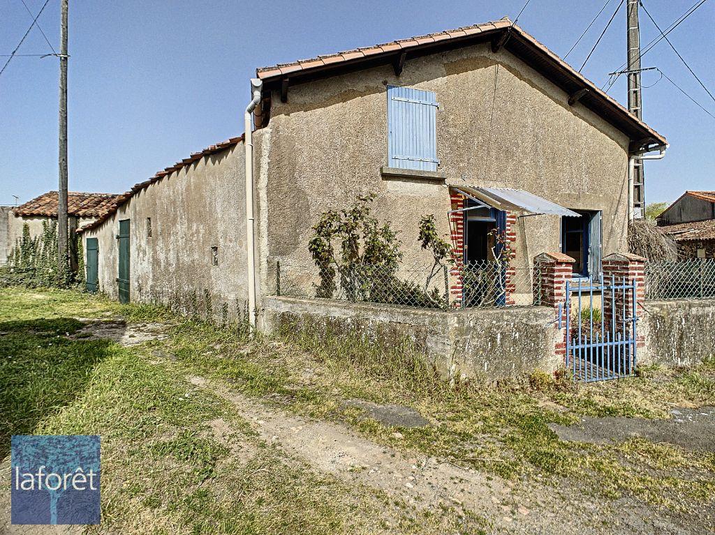 Achat maison 1chambre 57m² - Argenton-l'Église