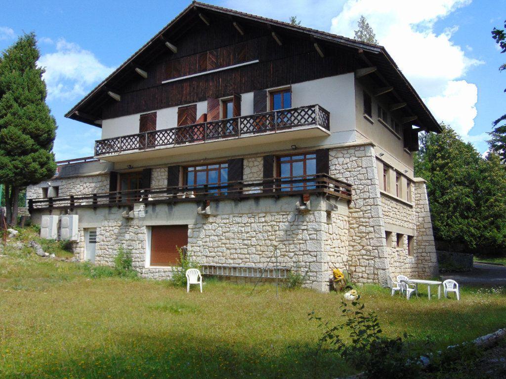 Achat maison 8chambres 538m² - Hauteville-Lompnes