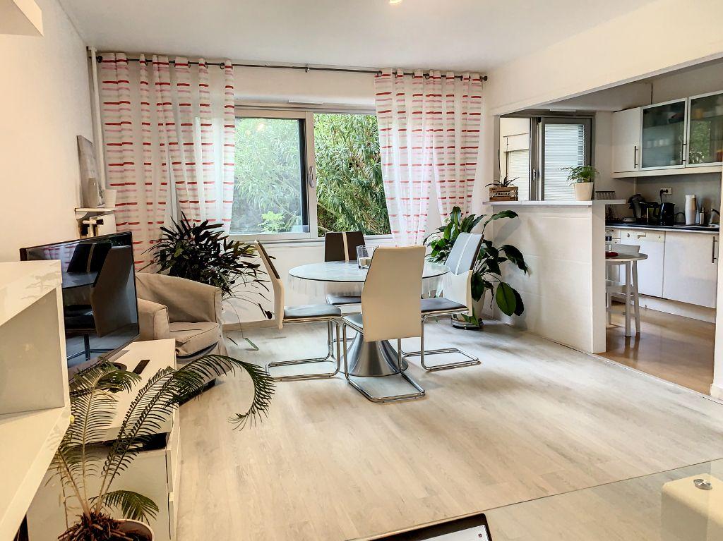 Achat appartement 2pièces 54m² - Marseille 1er arrondissement