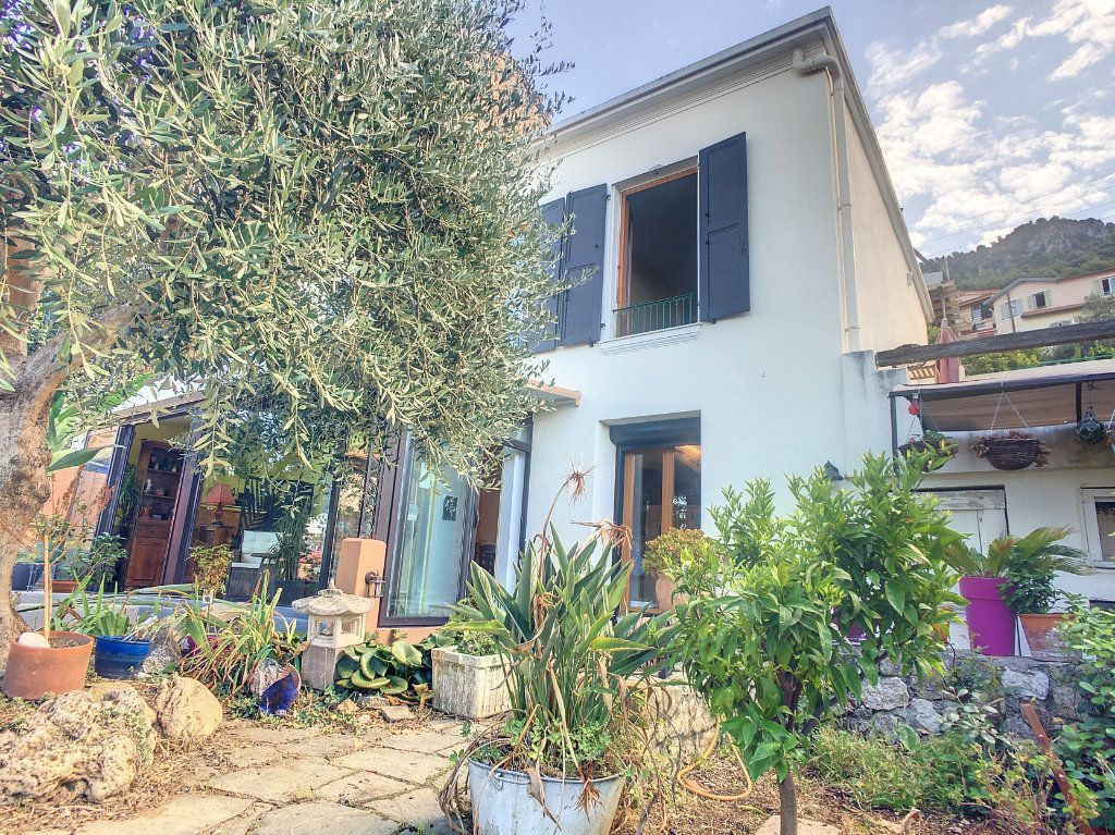 Achat maison 3chambres 94m² - Nice