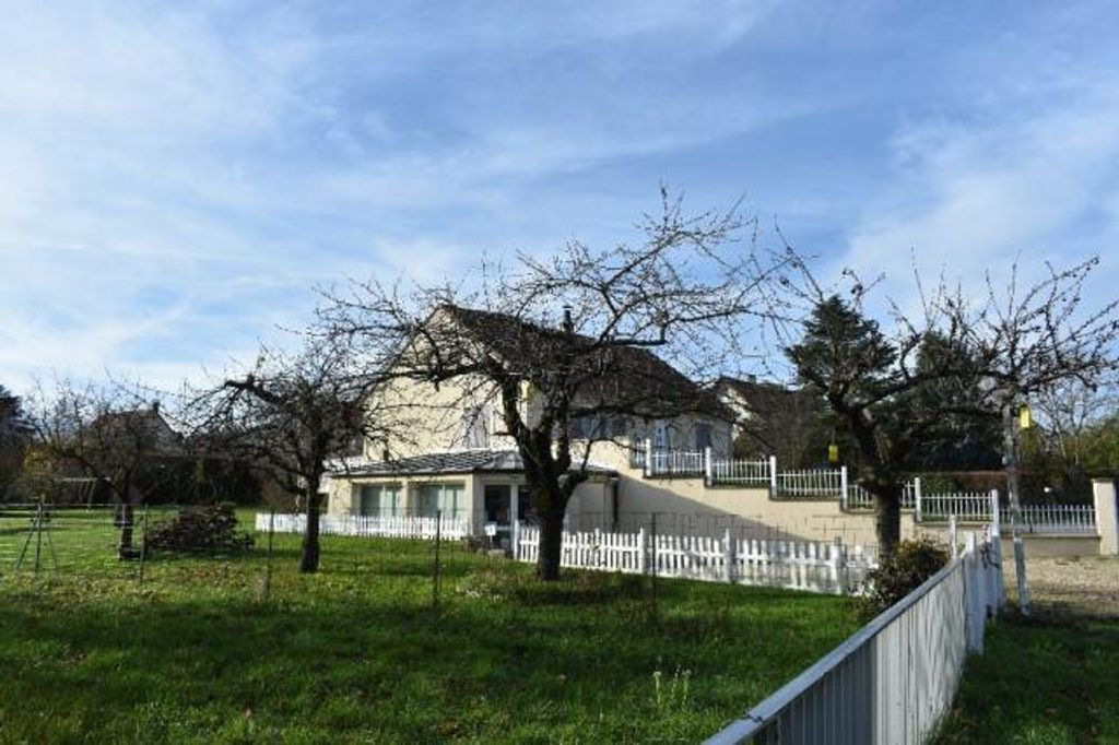 Achat maison 4 chambres 205 m² - Charbuy
