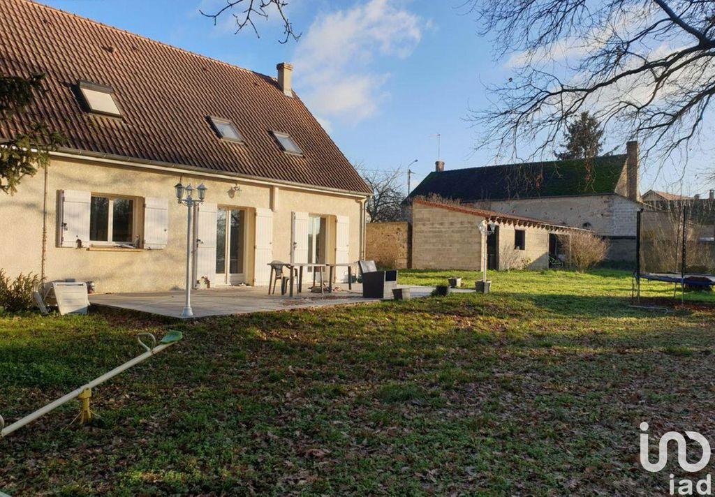 Achat maison 5chambres 140m² - Villeblevin