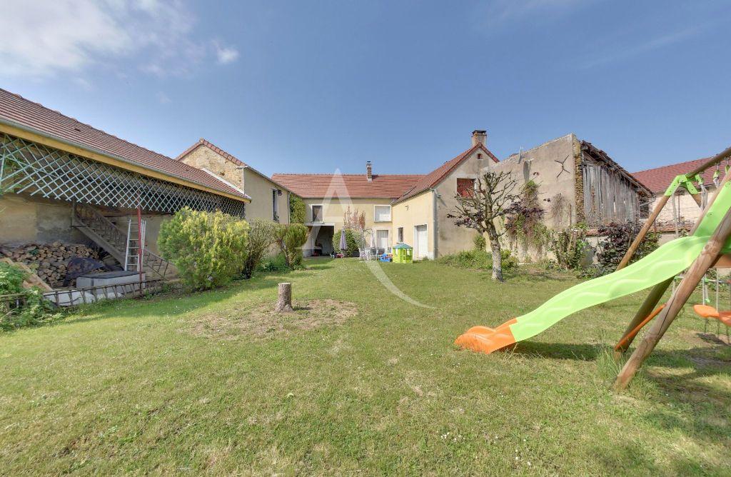 Achat maison 4chambres 204m² - Montigny-la-Resle