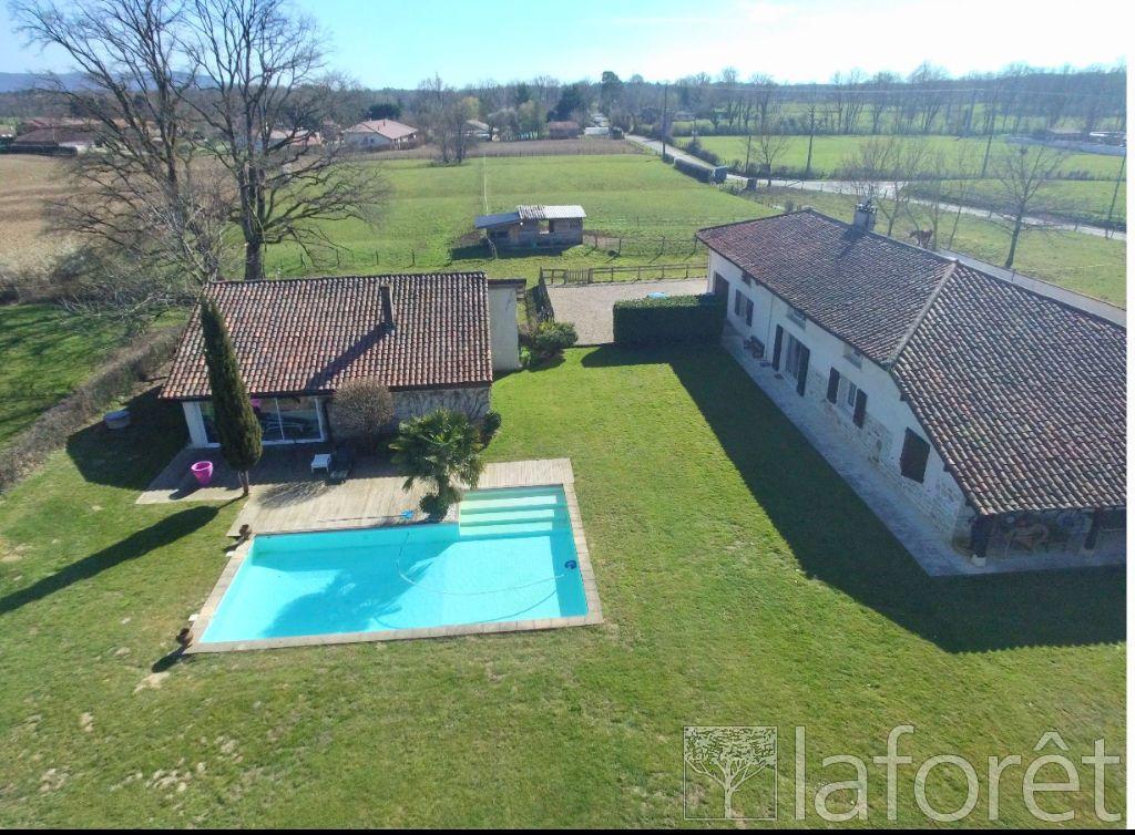 Achat maison 5chambres 271m² - Saint-Étienne-du-Bois