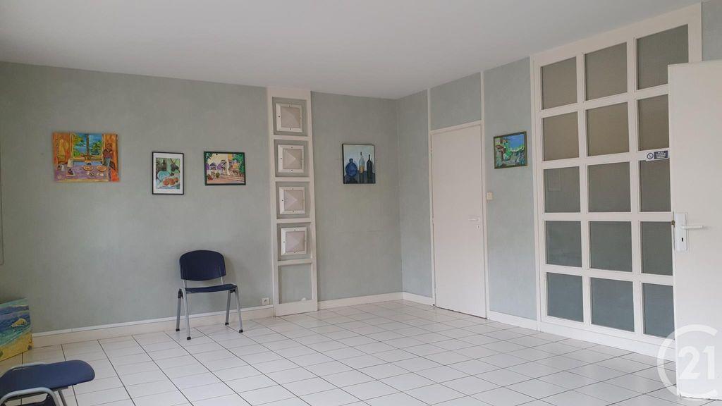 Achat appartement 7 pièce(s) Montluçon