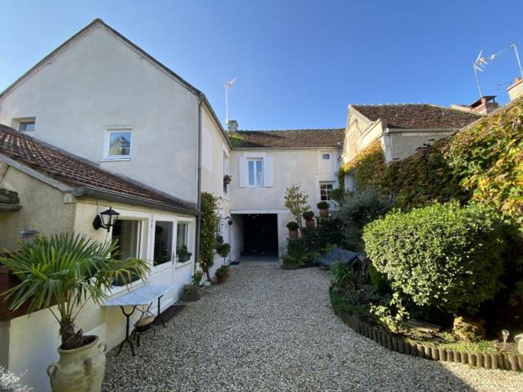 Achat maison 6chambres 143m² - Champs-sur-Yonne